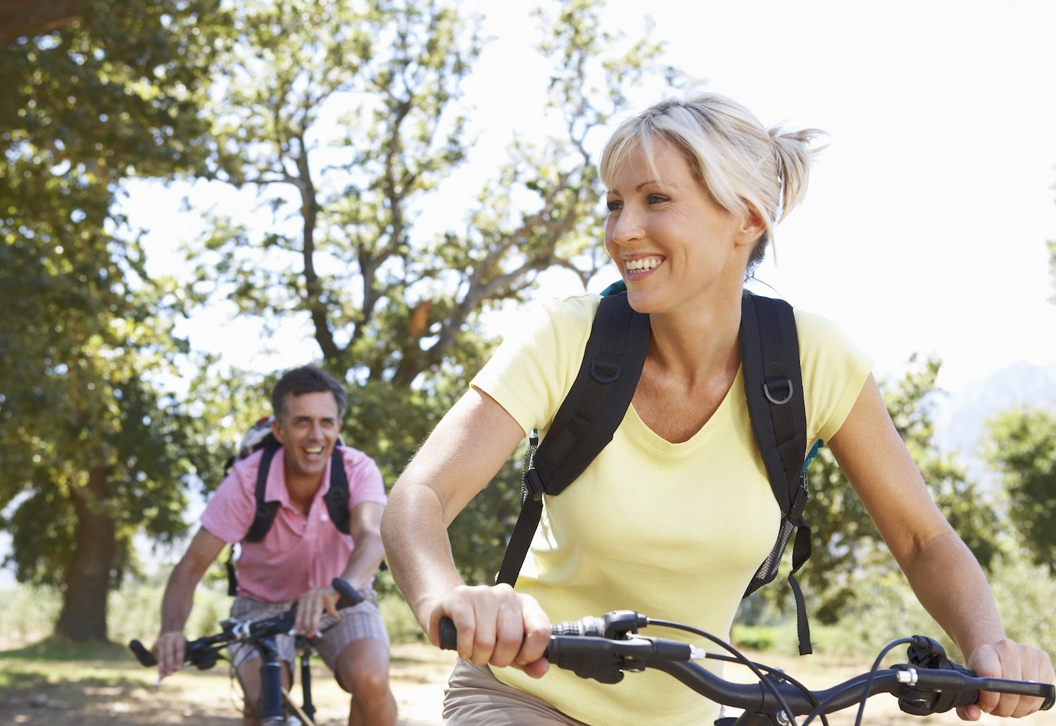 biote couple with biking with energy